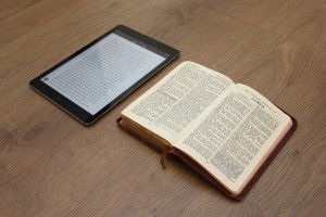 bible-ipad-study-SMALL